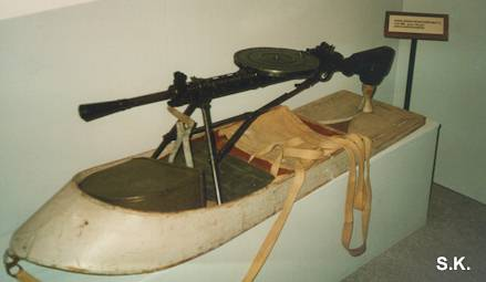 The 7,62mm DP on a Soviet sledge